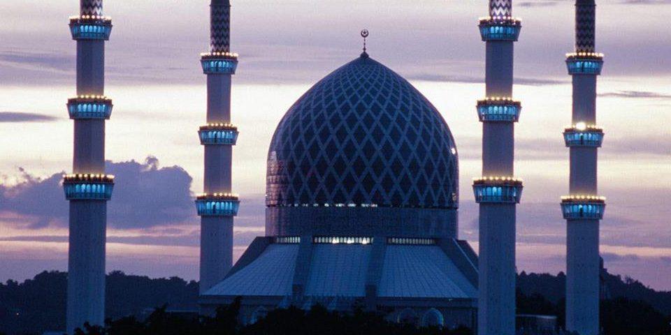 حديث (إنَّ الإسلامَ بدأَ غريبًا وسيعودُ غريبًا كمَا بدأَ فطوبَى للغرباءِ)