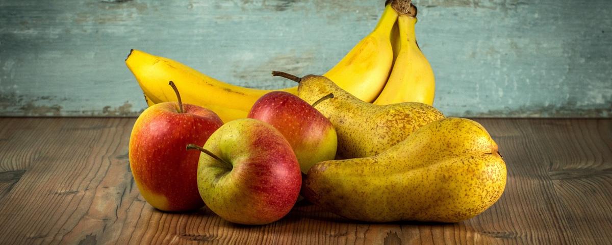 ثمار الجنةّ تتفق بالاسم مع ثمار الدُّنيا لكن الطعم والرائحة والشكل مختلف